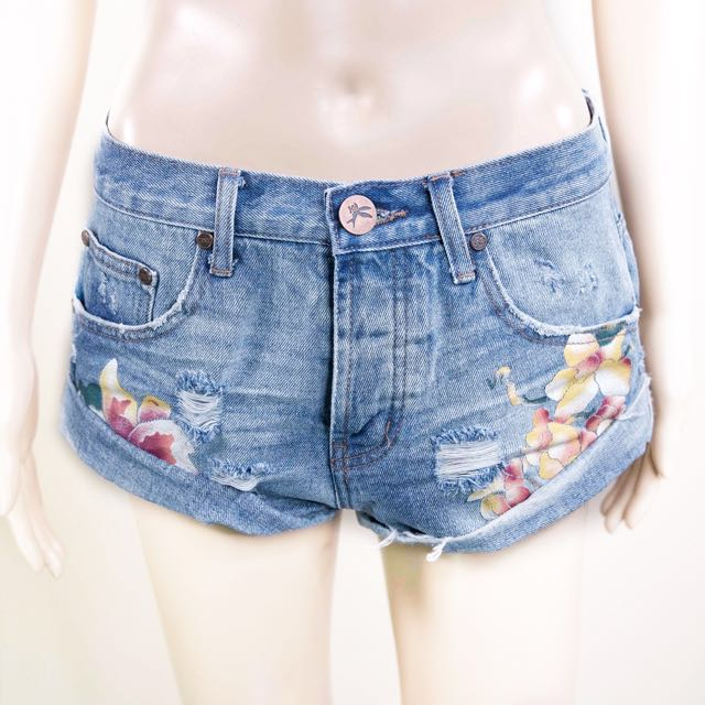 One Teaspoon Bandit Shorts with Floral Motifs