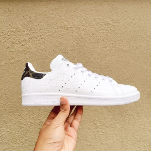 the latest f2f73 11554 Original Adidas Stan Smith Snakeskin and Camo, Mens Fashion, Footwear on  Carousell