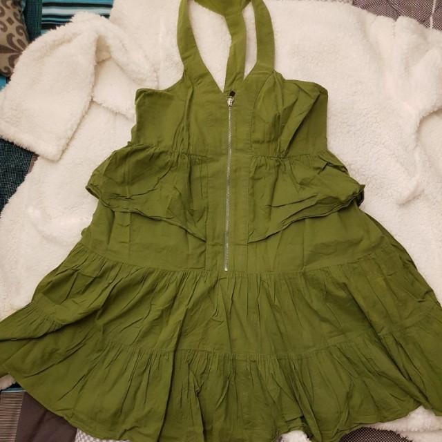 Petit monde green dress