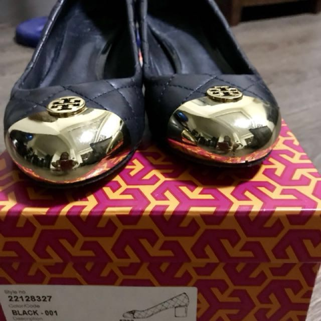Pre-loved authentic Tory Burch Kaitlin pump shoes bought from US