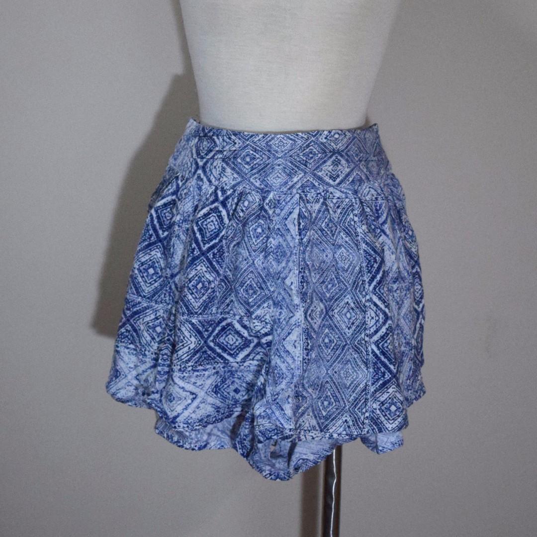 FOREVER 21 Printed Blue Skirt / Short / Skort with Back tie