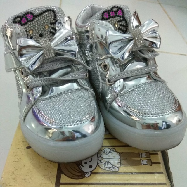 Silver shoes Hello Kitty