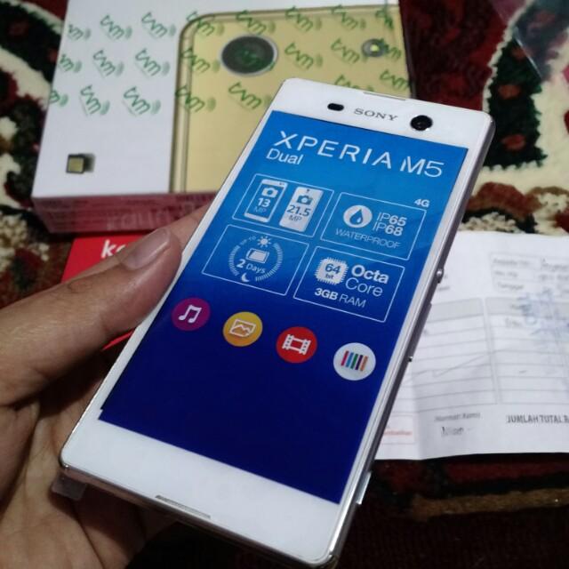 Resmi Putih Ex Display 3. Source · Sony Xperia M5 Dual White .