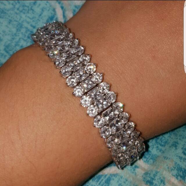 Sterling Silver and Cubic Link Infinity Bracelet  In perfect condition. Beautiful piece of elegant statement jewellery. comes in original box  make me an offer 😊