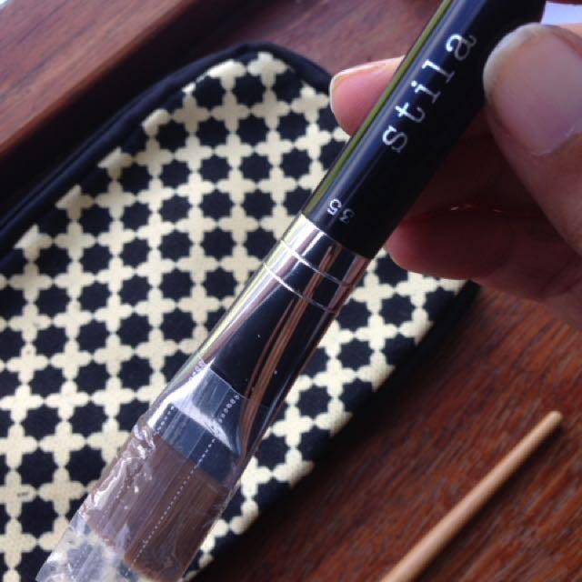 Stila foundation brush