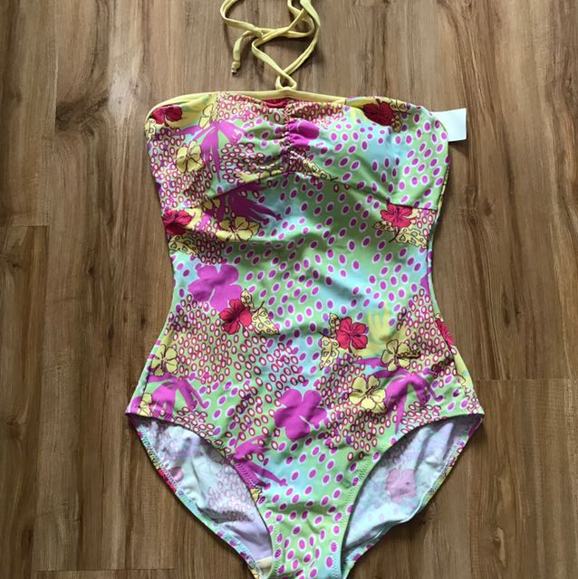 Swimwear/ bikini