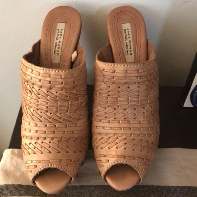 Tan leather mule-clog (Zara)