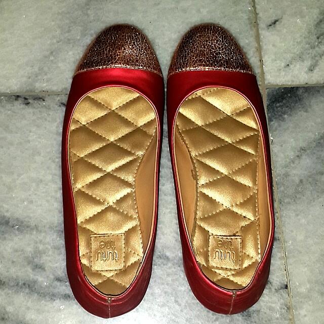 Tutu toe flat shoes