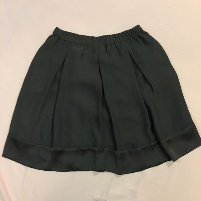 <Uniqlo> Plain Gray Skirt