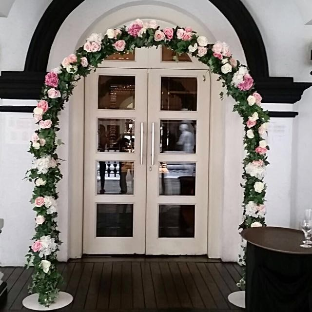 Wedding arch for rent