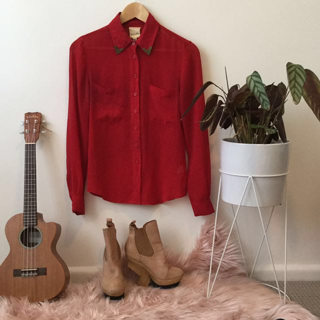 Western capped collar red sheer button up top