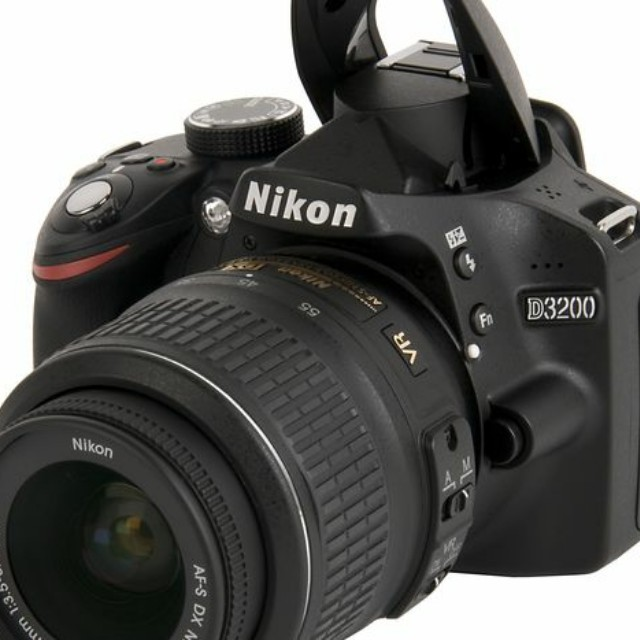 WTB   Kamera DSLR Nikon D3100/D3200