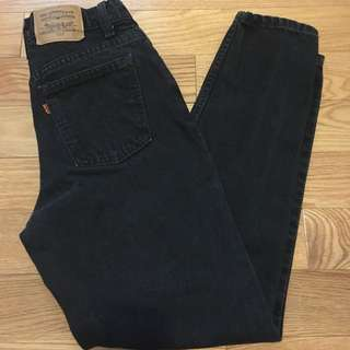 Vintage Levi dark wash mom jeans