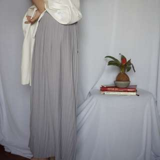 Grey pleated wide cullotes