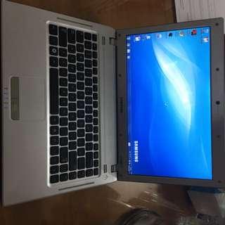 Samsung q430 notebook 二手 打機文書之選