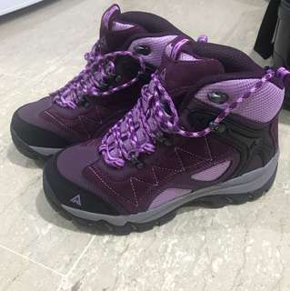 Brand new winter hiking shoes