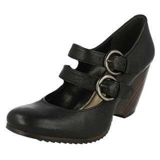 REPRICED: Authentic Clarks wedged heels black