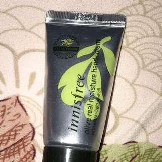 Innisfree olive moisture hand cream