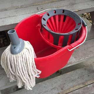 (Retails at $13.50) Mop bucket + mop head
