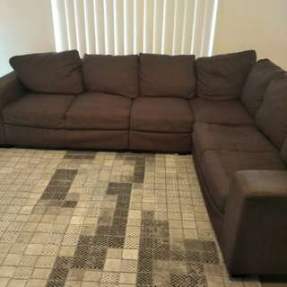 6 seated L shape lounge