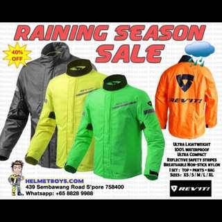 MOTORCYCLE RIDER RAINCOAT — RAINY SEASON SALE : REVIT RAINCOAT