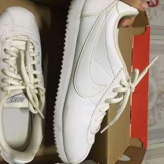 Orig Nike Cortez Triple White (Nike Shoes)