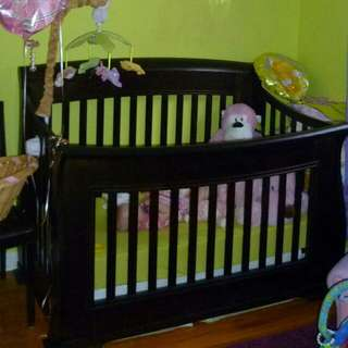 Wood 4 in 1 baby crib