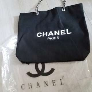 Chanel VIP GIFT big size chain bag 銀鏈袋