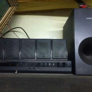 samsung home theater nakatambak lang po 5 speaker wth subwooper good condution pa po..Sya