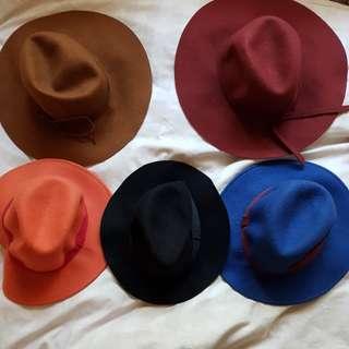 Free hats: sportsgirl brand