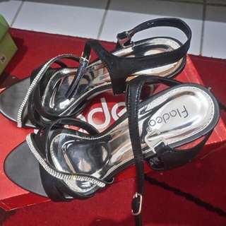 Sepatu Pesta Fladeo
