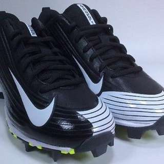 Boy's Size 5Y NikeVapor Keystone 2 Low (GS) Baseball Cleats - Black & White
