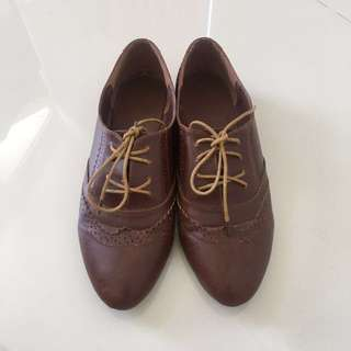 Brown Oxford Shoes (Size 39)