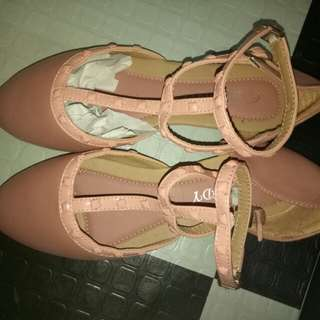 shoes and dollshoes onhand