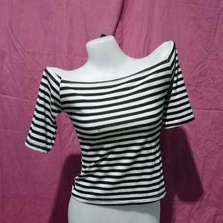Offshoulder stripe