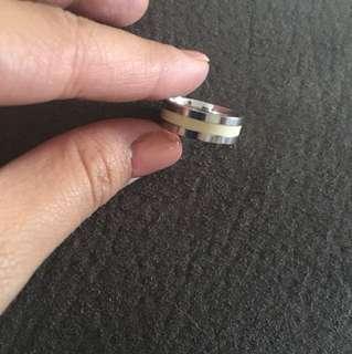 Platinum & agate ring
