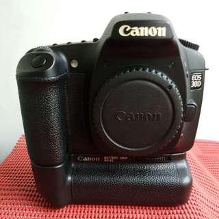 Canon 30D with BG-E2 grip