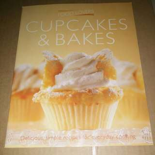 Cupcakes and bakes cookbook