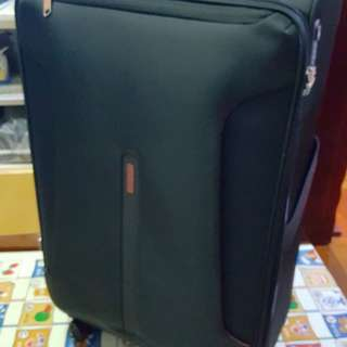 American tourister suitcase 31 inches (100% new)