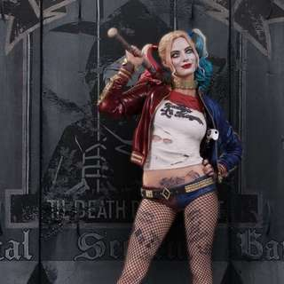 D.C. Collectibles Harley Quinn statue