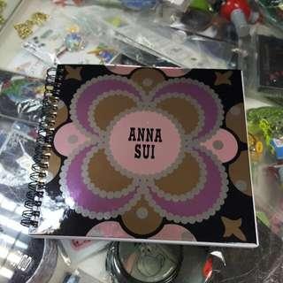 全新 Anna Sui 單行簿