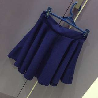 GET 2 SKIRTS FOR 180php!!!