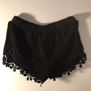 Short black size S
