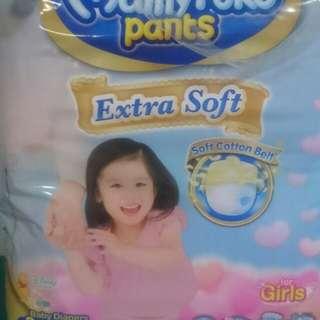 Mamypoko Pants Girls - Large (fits 9-14kg)