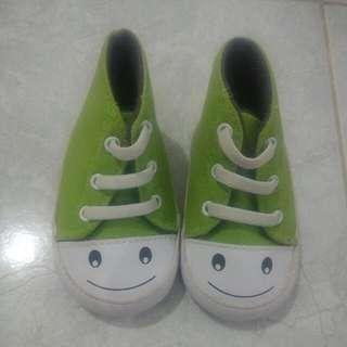 Sepatu Mothercare Newbron