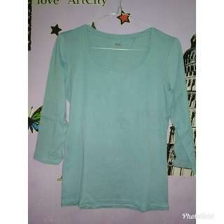 Uniqlo t-shirt blue