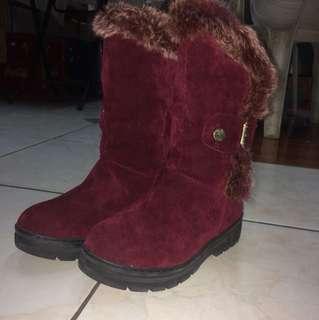 Faux fur sued boots