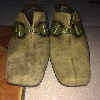 Authentic Aerosoles Turks and Caicos heels