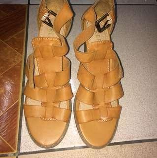 Faux leather sandals 👡