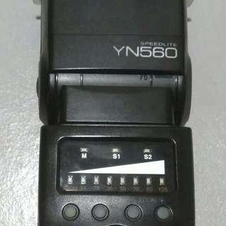 Speedlight Nikon Yongnuo YN-560